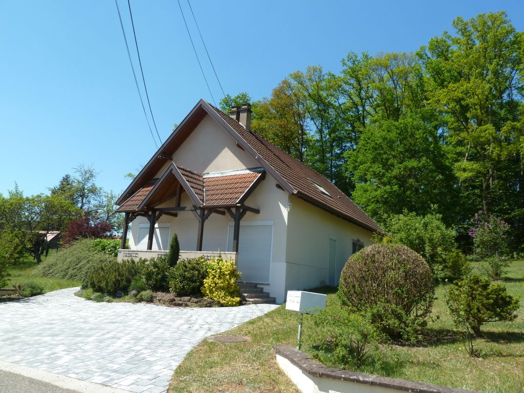 Gepflegtes Gästehaus mit 2 Wohnungen in ruhiger und sonniger Lage nahe Badesee