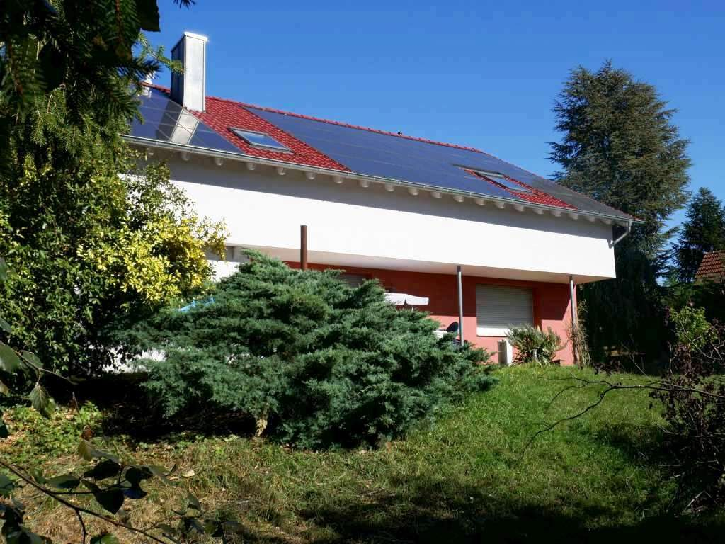 Großzügiges 1-Familien-Haus zum Renovieren mit großem Grundstück in sehr schöner Randlage