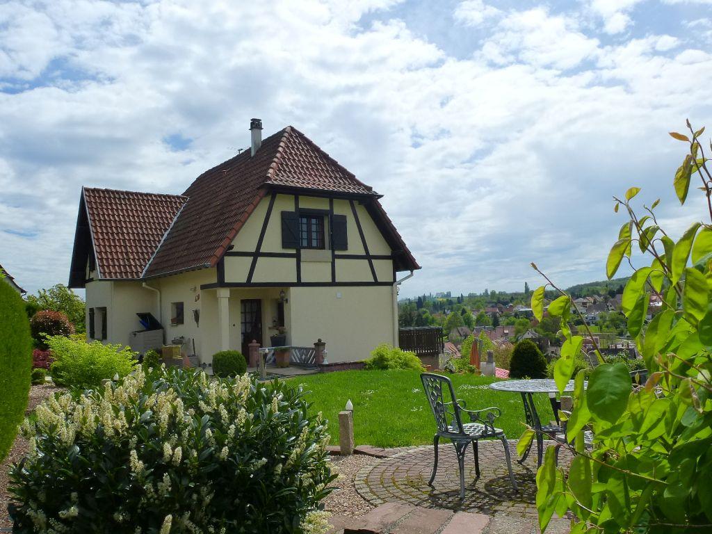 Gepflegte Landhaus-Villa mit stilvollem Wohnambiente in traumhafter Aussichtslage