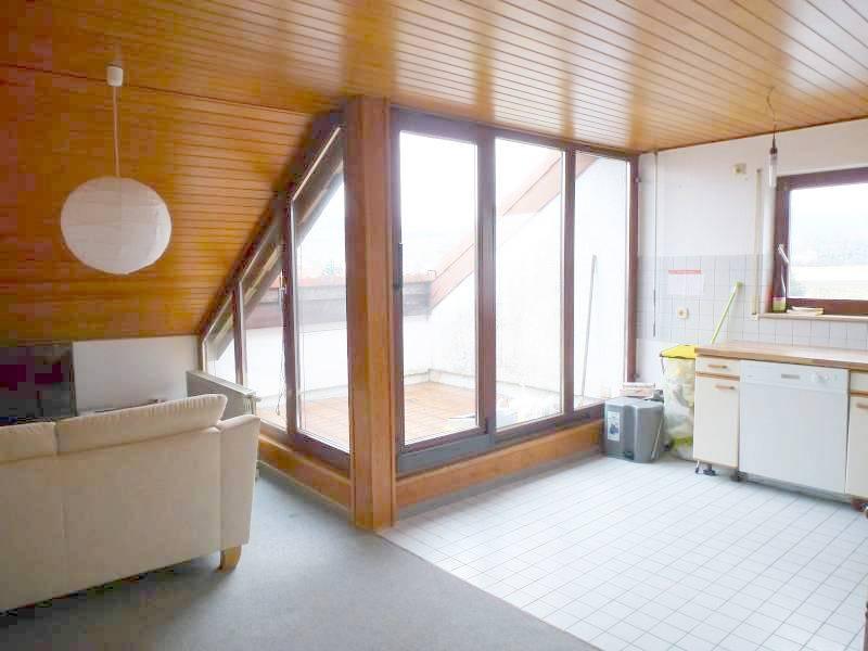 Für Kapitalanleger – Vermietete 2-Zi.-Wohnung mit großer Dach-Terrasse und schönem Ausblick