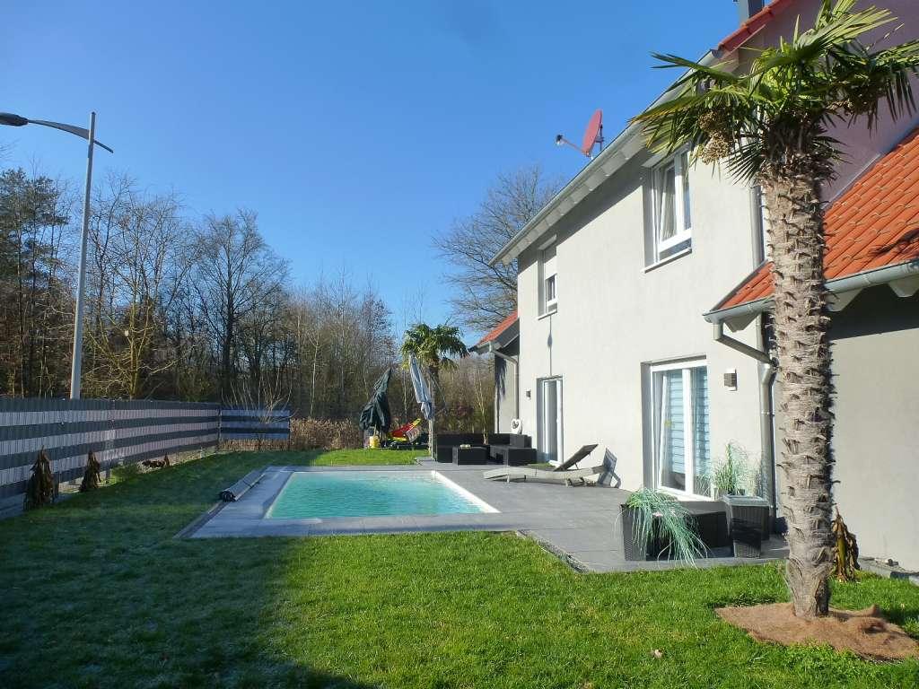 Modernes 1- bis 2-Fam.-Haus im Landhausstil in schöner Randlage