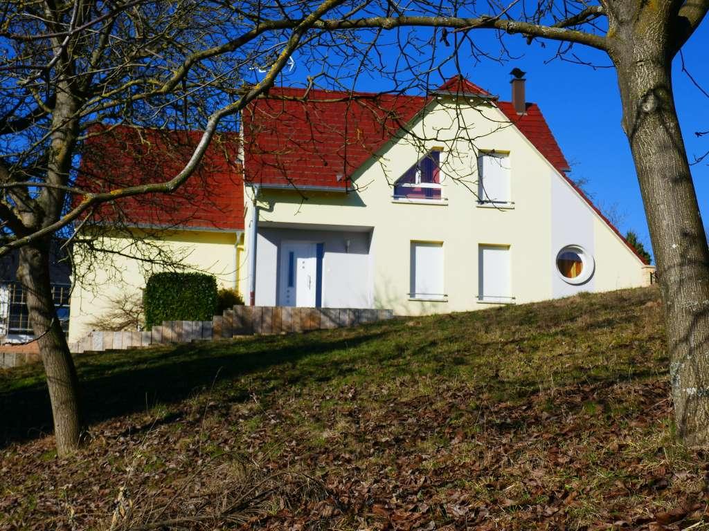Gepflegtes Landhaus mit großem Grundstück in ruhiger und sonniger Randlage