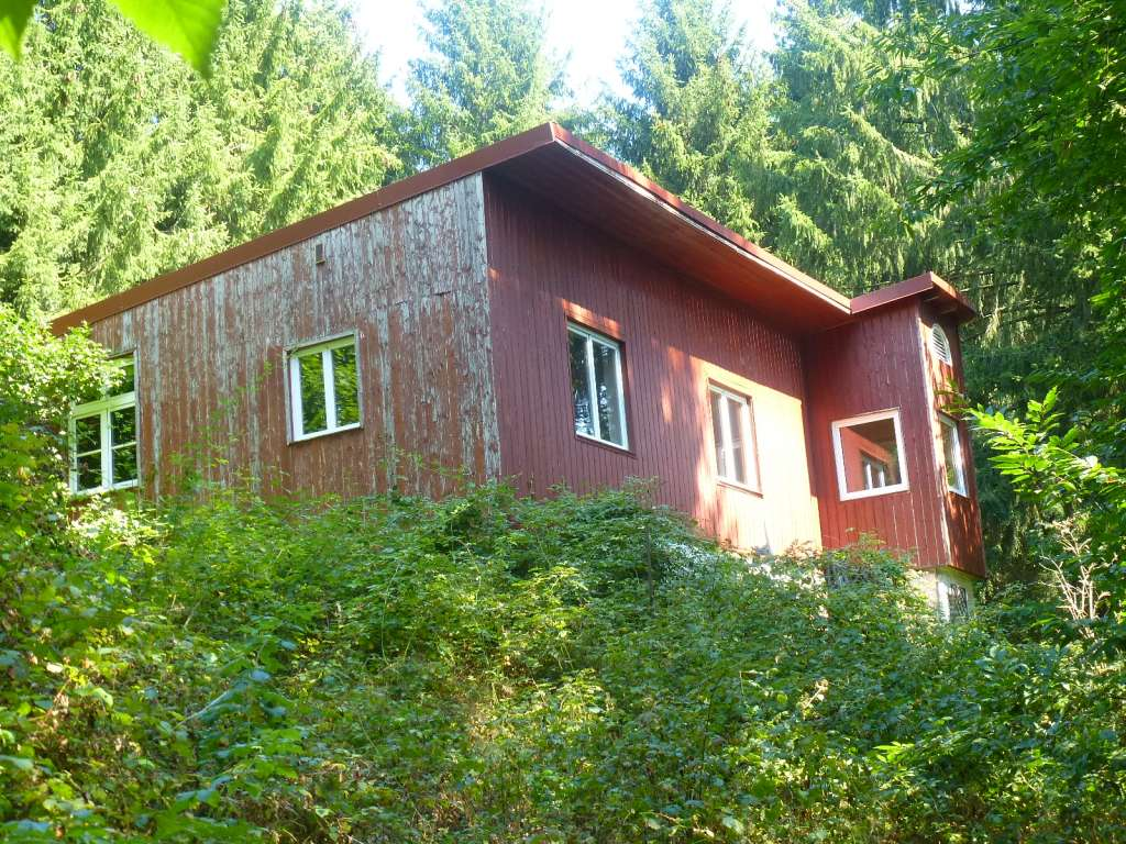 Gelegenheit in Alleinlage – aber nur für Macher! Nettes Wohn-/Ferienhaus zum Renovieren am Ortsrand