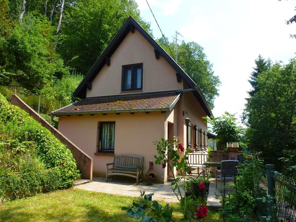 Charmantes Wohn-/Ferienhaus in schöner Waldrandlage