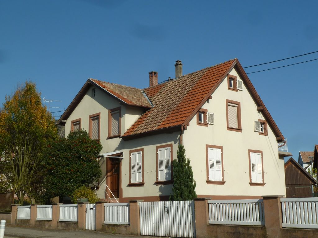 Großes, älteres 1-Familien-Haus zum Modernisieren