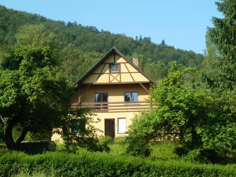 Nettes Wohn-/Ferienhaus zum Renovieren in waldnaher Lage