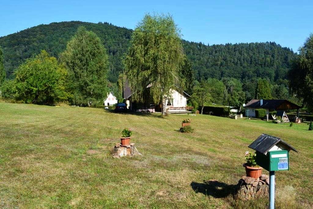 Schön gelegenes Land-/Ferienhaus zum Modernisieren