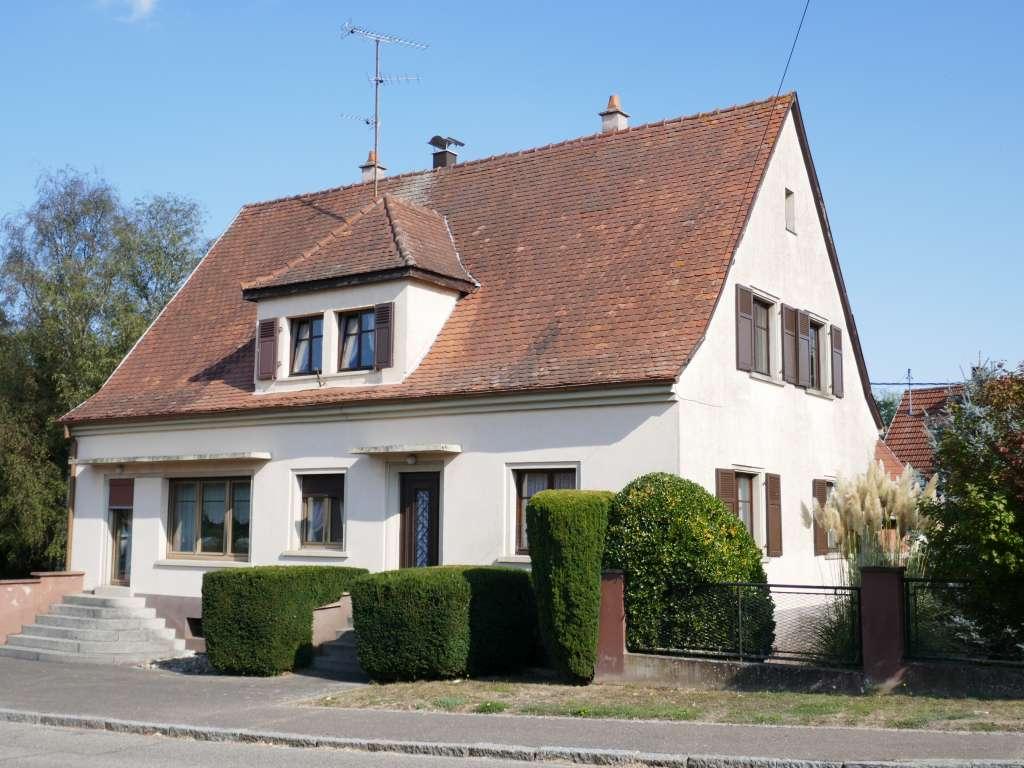 Großzügiges 1-Familien-Haus mit Nebengebäude, Hof und Garten